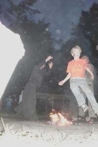 Feuersprung an der Jugendherberge